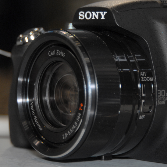 http://content.reviewed.com/products/10431/specs/5002/Sony-DSC-HX100V-FI_Lens_Image.jpg